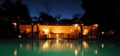 Villa Etnia - Swimming pool and bar